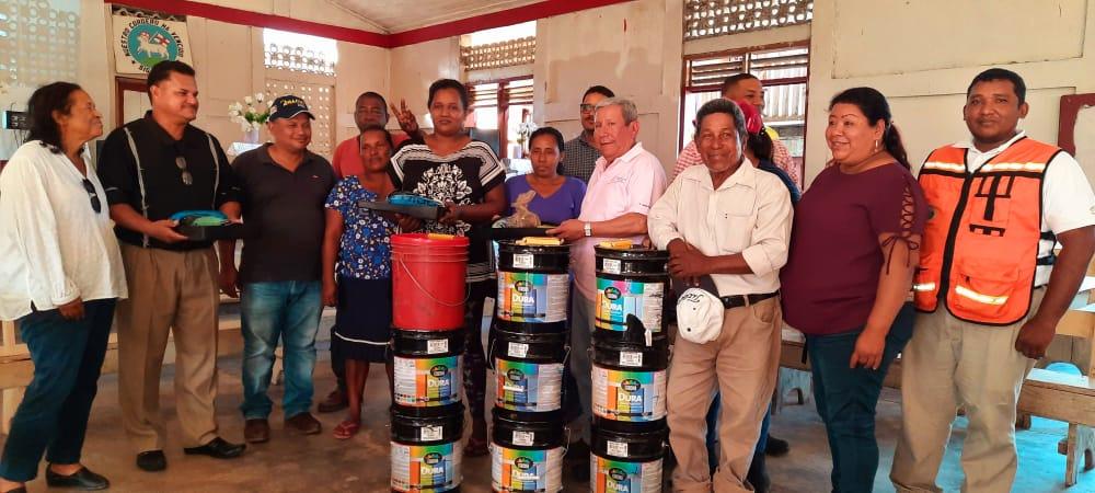 Waspan: La alcaldía  entregó  materiales para el embellecimiento de las iglesias de la comunidad de Kum, territorio Indígena Wangki Maya. Dichos templos se convirtieron en albergues durante la emergencia provocada por los huracanes.