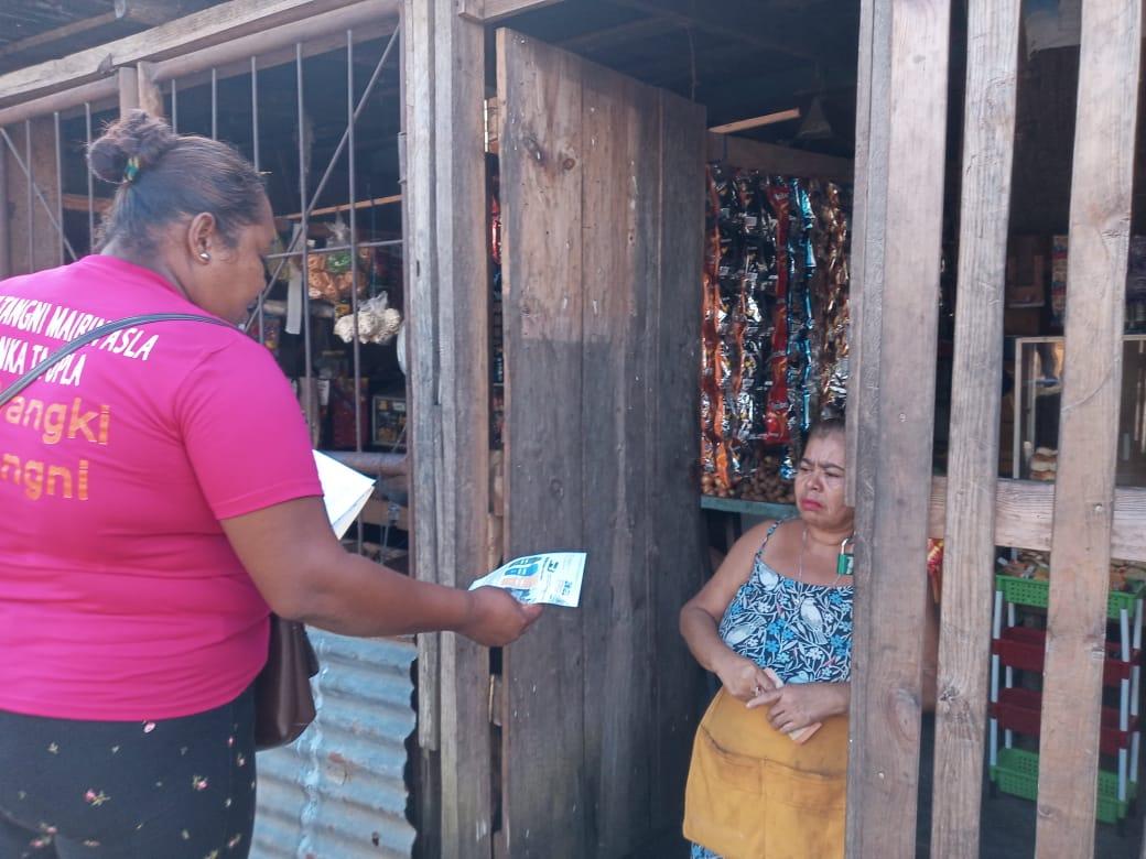 Waspan: La Comisión social ambiental de la alcaldía junto al Minsa, y marena en campaña con mensajes verbales y escritos a la población sobre el buen uso de depósito de la basura y la clasificación de desechos.