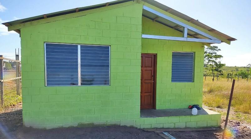 En Bluefields las familias celebrarán la entrega de seis viviendas en el barrio San Pedro.