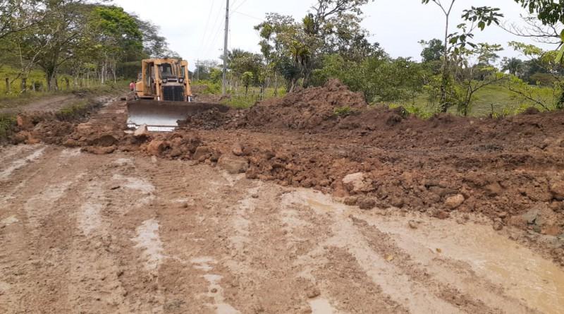 Santo Tomás: Avance en la reparación de caminos con el MTI, tramo La Tigra – El  Guabo