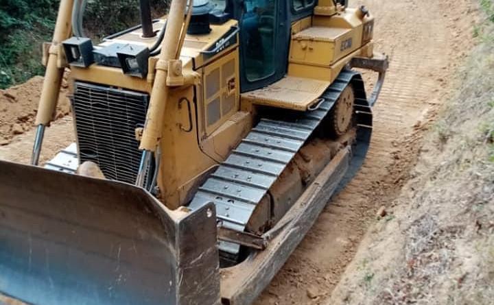 La Conquista: Reparación de caminos empalme Cerro Grande-El Naranjo