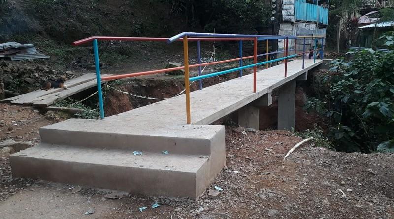 Puente peatonal en Bonanza