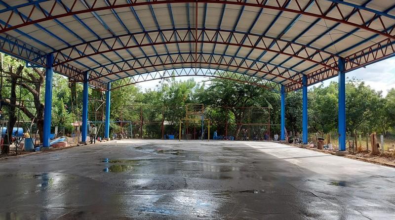Cancha con techo en el barrio Alfonso González en Mateare