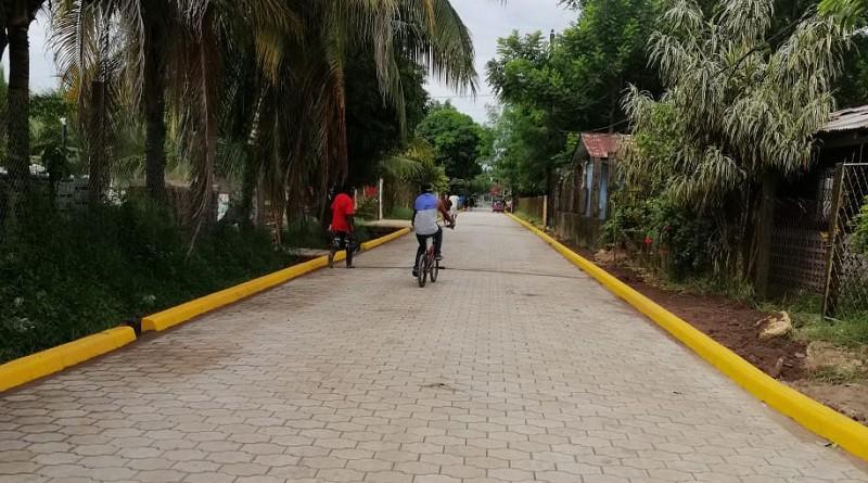 Las familias de Laguna de perlas recibirán cuatro calles en el barrio Iván Dixson