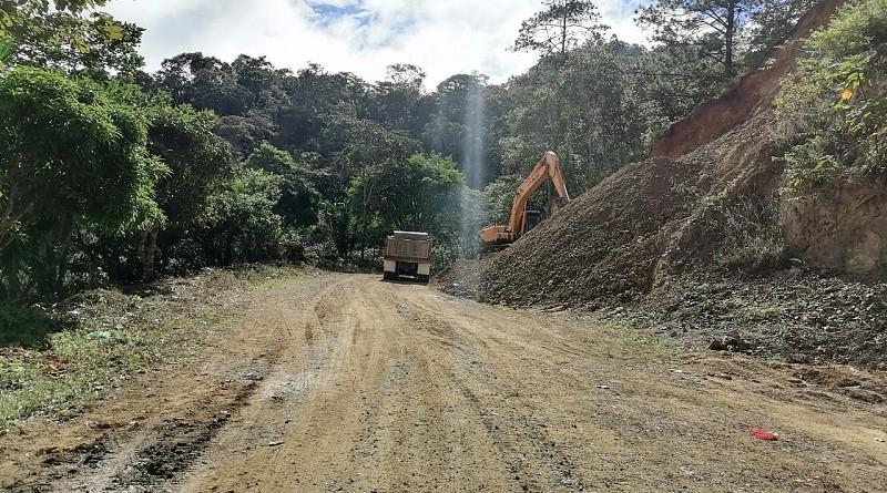 En Macuelizo el gobierno local mejoró 11.5 kilómetros de camino en la comunidad  Surzular.