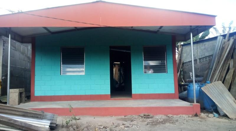 Tres familias de El Coral contarán con techo digno en la zona #3.