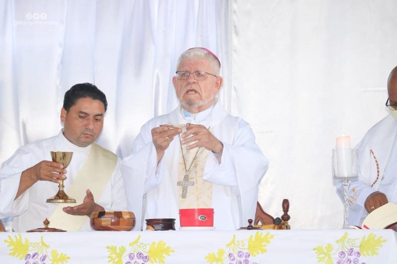 Santa misa por el Obispo David Swits en el primer aniversario de su partida a la eternidad