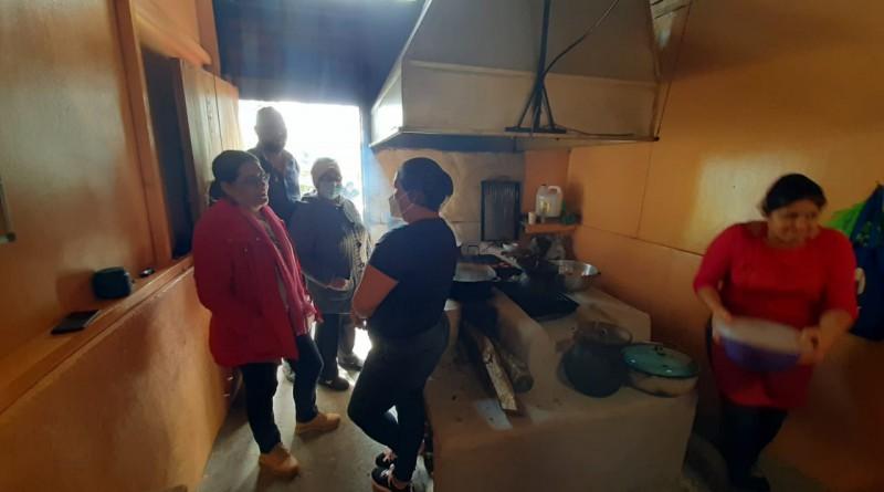 En la cocina de fogón del Canopy la Brellera