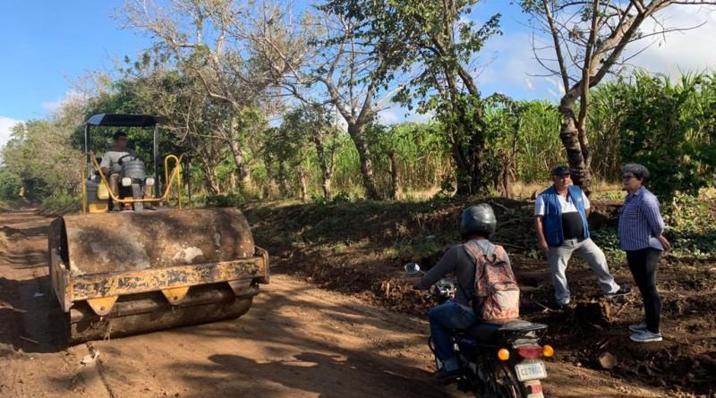 Santa Teresa: Reparación de caminos en las comunidades Santa Cruz - San José de Gracias.