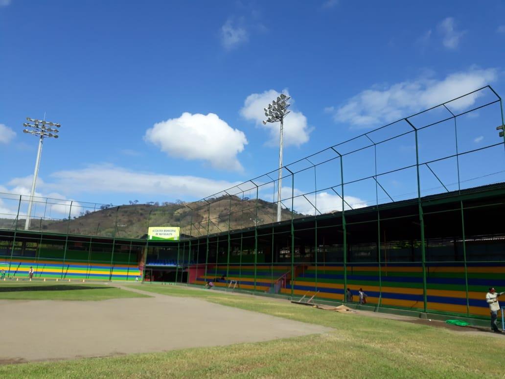 Estadio  de béisbol Chale Solis