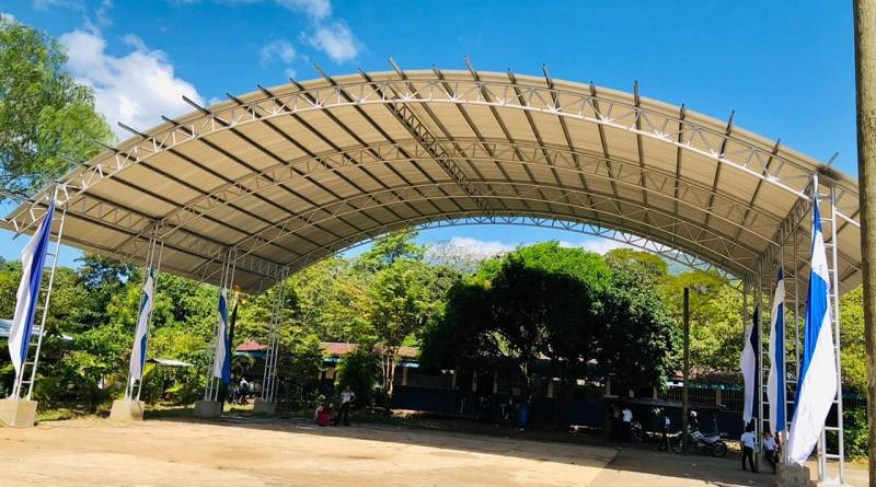 Cancha con techo en Río Blanco