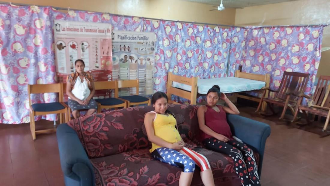 Embarazadas albergadas en la casa materna