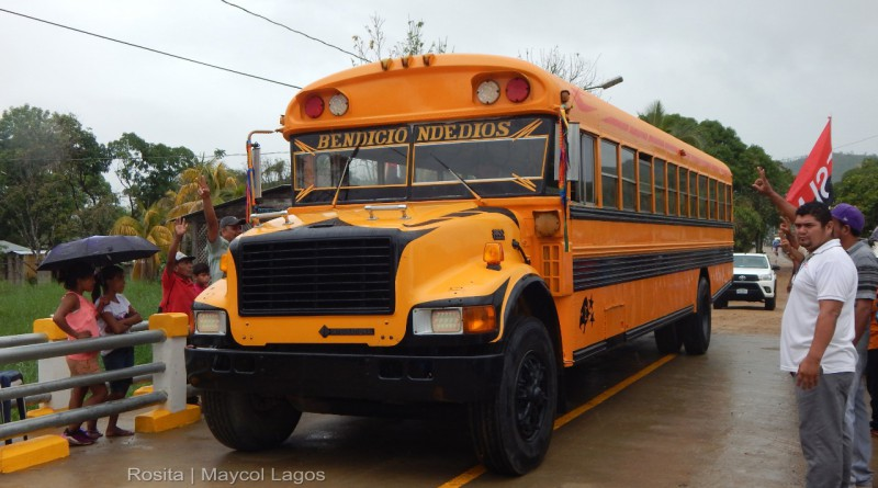 Rosita:puente vehicular y peatonal