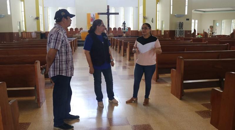 En la iglesia de Nueva Guinea