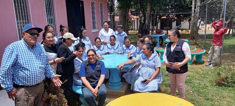 Protagonistas de la casa materna en Nueva Guinea