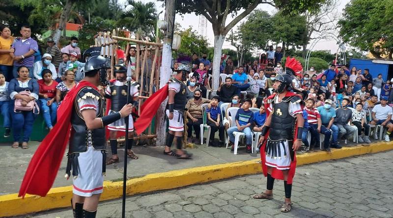 Presentación del teatro callejero la judea en La Concepción