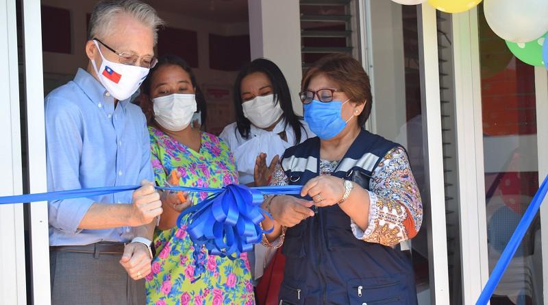 """Casas Maternas """"una campaña de amor"""", dice embajador de China, Taiwán en inauguración de mejoras en la infraestructura de Granada."""