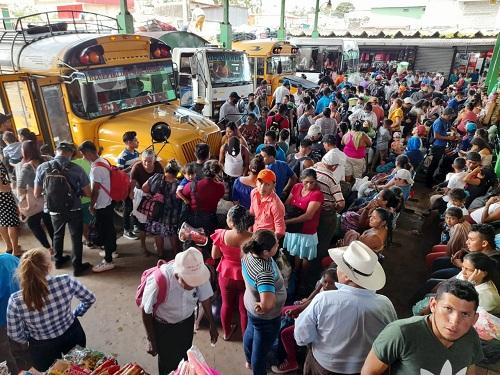 Terminal de Nueva Guinea:La vuelta a  casa después de las vacaciones
