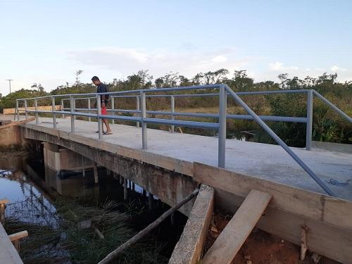 Construcción de puente peatonal, en Desembocadura del Río Grande.