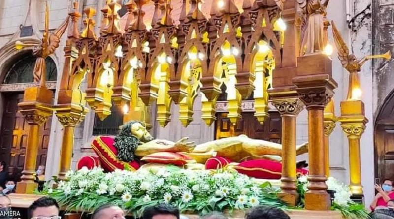 Majestuosa procesión del Santo Entierro de Catedral de León