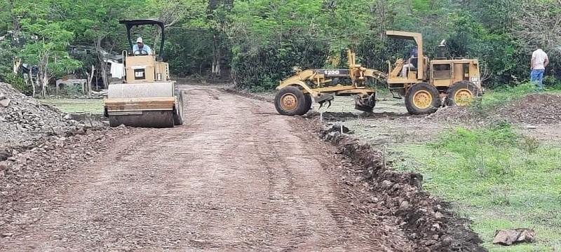 Siete calles de macadán fueron restauradas en el barrio anexo Nueva Esperanza de Pueblo Nuevo.