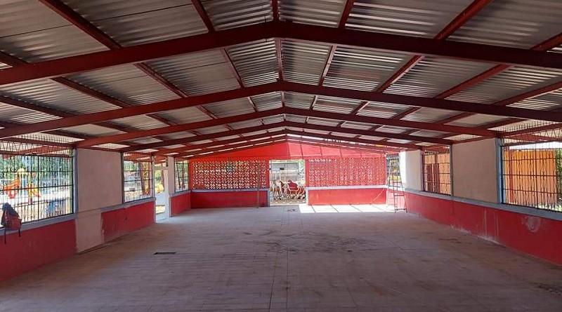 Mejoramiento de centro recreativo de Mateare con un auditorio.