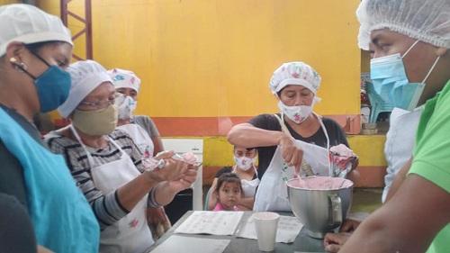 Curso de repostería en escuela municipal de oficios de Masatepe