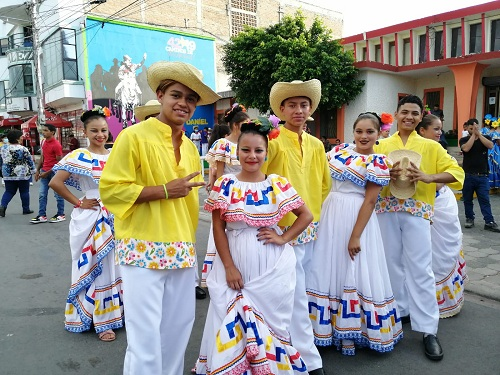 Artistas participantes en la Gala Regional en Estelí