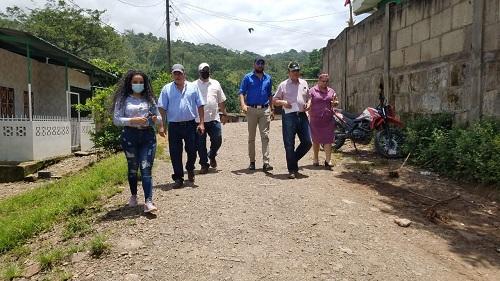 Autoridades del MTI y de Inifom de la VI Región junto al equipo municipal de San José de Bocay   recorren las calles propuestas a mejorar