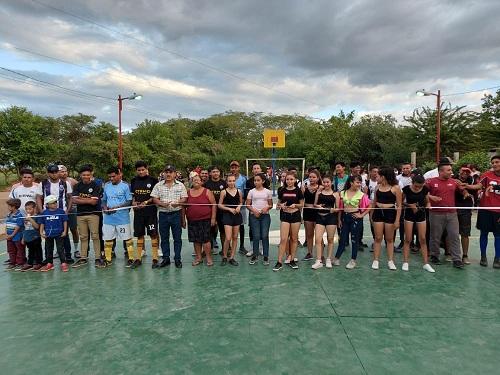 Larreynaga: Mantenimiento de cancha deportiva de la comunidad El Madroño.