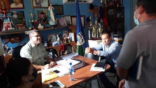 San Carlos: Alcaldía y MTI suscriben acta de construcción de mejoramiento de calles.