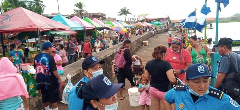San Carlos: Familias disfrutan de la pesca, gastronomía, artesanía y cultura en el Malecón.