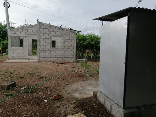 Juigalpa: En las comunidades Las Lajitas y el Naranjito, la alcaldía y el Invur construyen viviendas para las familias. El proyecto es de 18 casas.