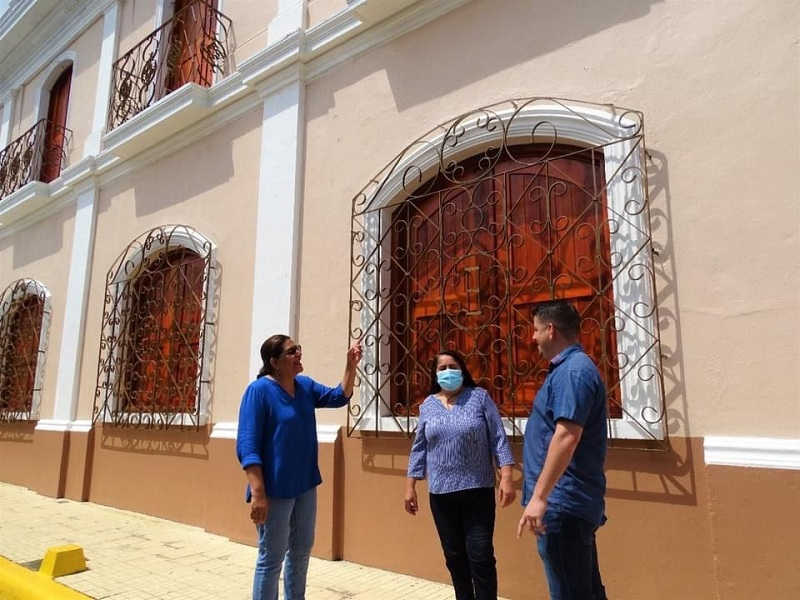 Acompañada de la alcaldesa Jeanina Noguera y del gerente de la alcaldía David Rafael Chavarría, el recorrido la llevó al edificio de la antigua alcaldía donde se rehabilita y reconstruye el museo municipal de Masaya.