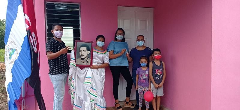 Familias de Quezalguaque reciben viviendas dignas y decorosas. También protagonista de Ticuantepe