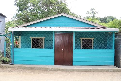 """Mantenimiento y embellecimiento del puesto de salud """"Elder Caldera"""", en el barrio Luis Alfonso Velasquez Flores."""