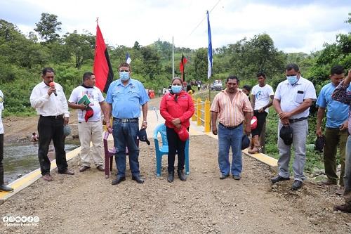 Construcción de puente en la comunidad Guasimito, ubicado a 18 kilómetros al noreste de Siuna.