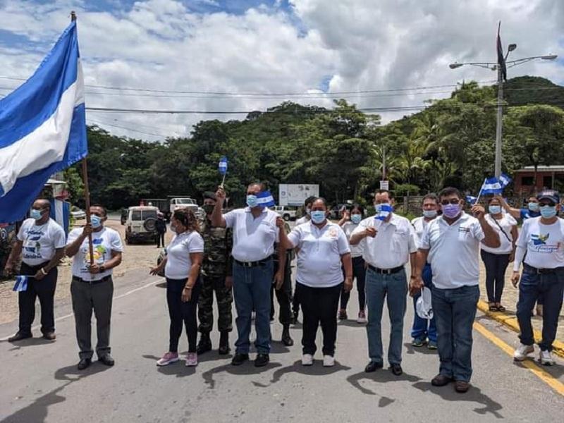 Siguió su curso y en el recorrido por el departamento de Madriz fue recibida por las autoridades municipales y de educación de Somoto y Yalaguina