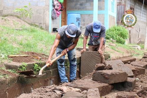 Adoquinado y construcción de cunetas en el barrio Paz y Vida en Granada